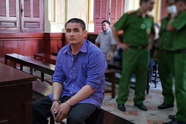 Bất ngờ bị tâm thần sau khi bị tuyên án tử hình vì sát hại cha mẹ - 1