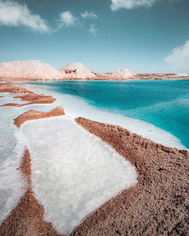 Cảnh tuyệt đẹp tại hồ nước mà người không biết bơi... cũng nổi - 4