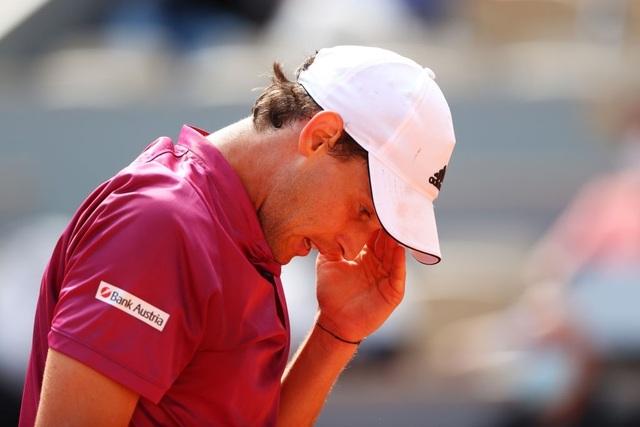 Dominic Thiem thua sốc ngay trận ra quân ở Roland Garros - 3