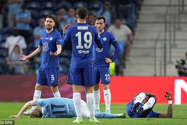 De Bruyne và Aguero khóc trong ngày tan mộng vô địch Champions League - 1