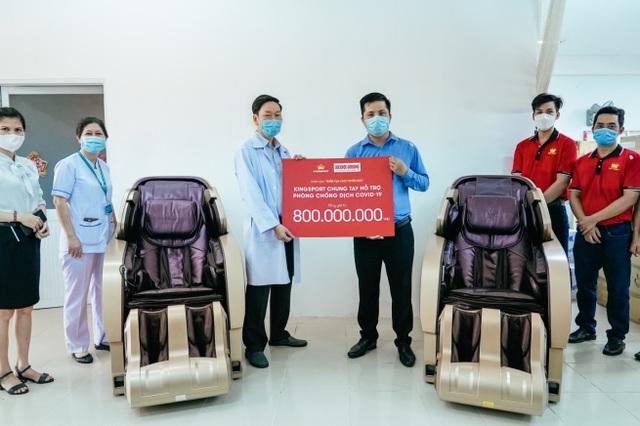 Kingsport trao 800 triệu đồng quà và tiền mặt tiếp sức cho tuyến đầu - 2