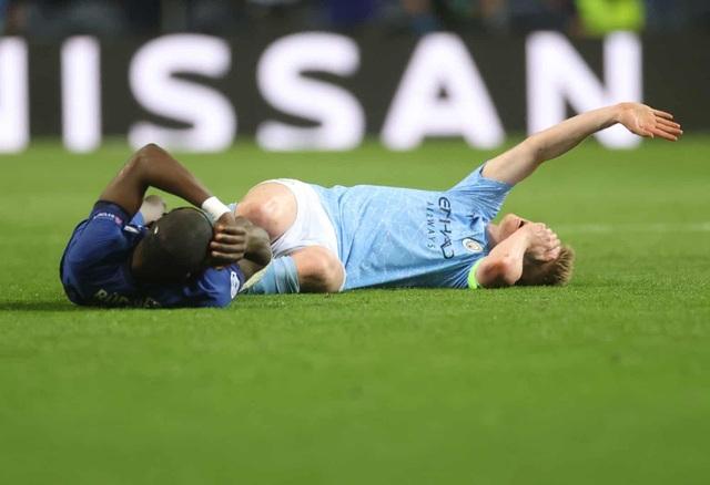 De Bruyne và Aguero khóc trong ngày tan mộng vô địch Champions League - 3