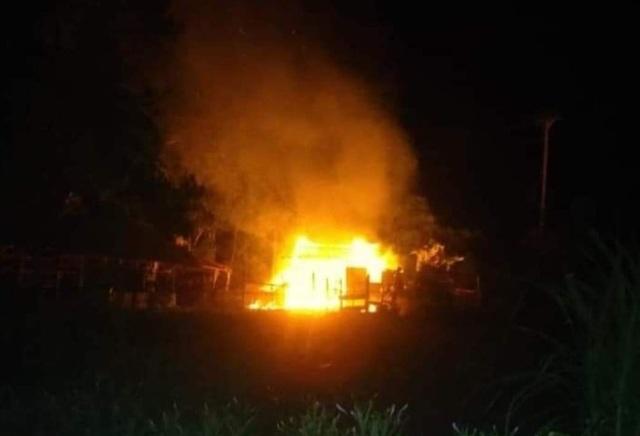 Hiện trường căn nhà chị Hoa bốc cháy đêm qua 29/5 (Ảnh: CTV).