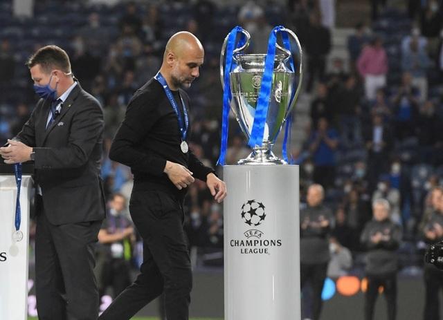 HLV Guardiola bào chữa về những sai lầm chiến thuật trước Chelsea - 2