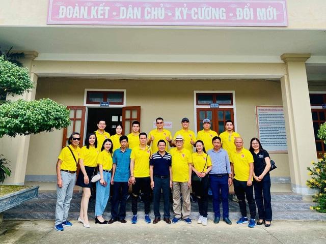 Việt Anh và CLB bóng đá V