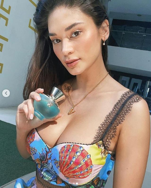 Hoa hậu Hoàn vũ Pia Wurtzbach được khen ngày càng bốc lửa - 2