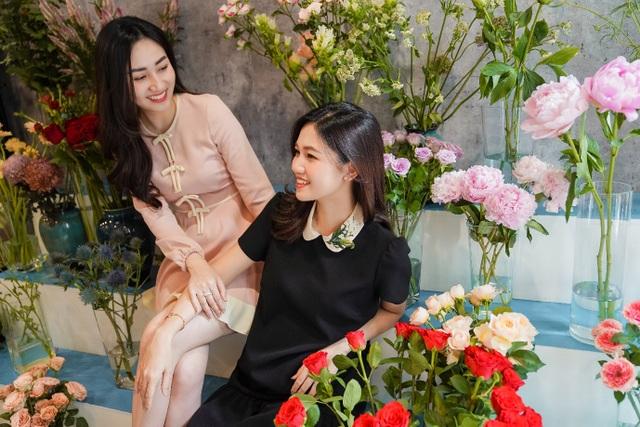 Hoa hậu Ngọc Hân, Đỗ Mỹ Linh trổ tài cắm hoa
