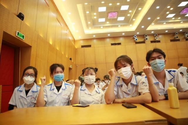 300 sinh viên Trường Cao đẳng Y tế Bạch Mai hỗ trợ Bắc Giang chống dịch - 4