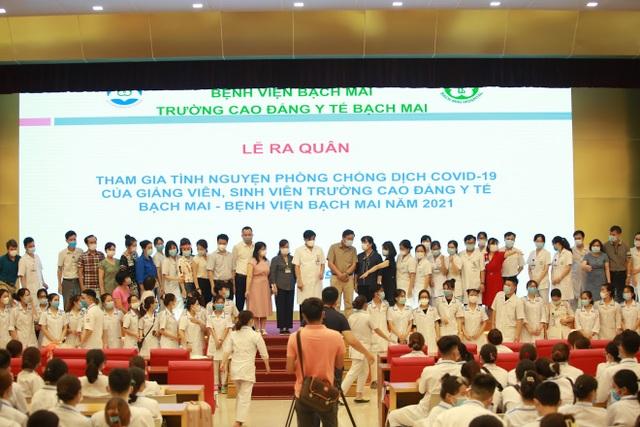 300 sinh viên Trường Cao đẳng Y tế Bạch Mai hỗ trợ Bắc Giang chống dịch - 2
