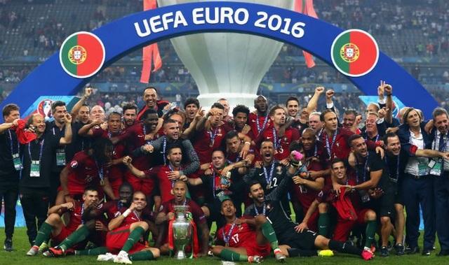 Các nhà vô địch vĩ đại qua 15 vòng chung kết Euro - 15
