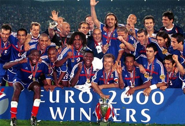 Các nhà vô địch vĩ đại qua 15 vòng chung kết Euro - 11