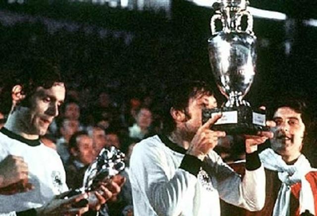 Các nhà vô địch vĩ đại qua 15 vòng chung kết Euro - 5