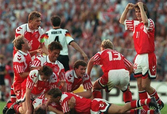 Các nhà vô địch vĩ đại qua 15 vòng chung kết Euro - 9