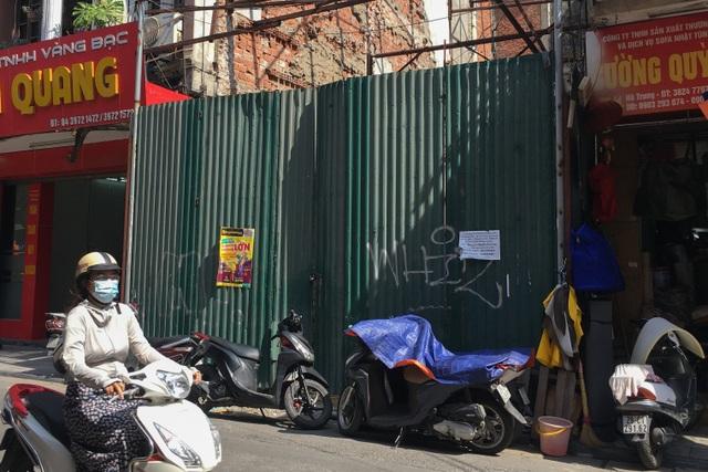 Bán nhà 845 cây vàng trên phố cổ Hà Nội, gia chủ nhận lại toàn... giấy nợ? - 1