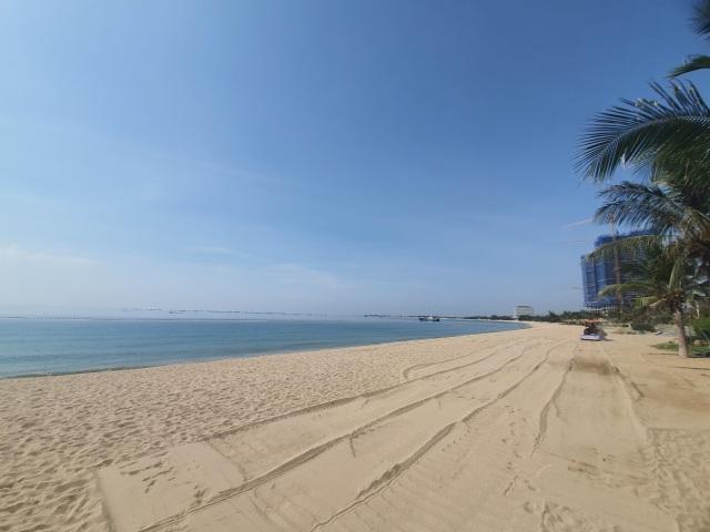 Biển Ninh Thuận vắng lặng không một bóng du khách - 3