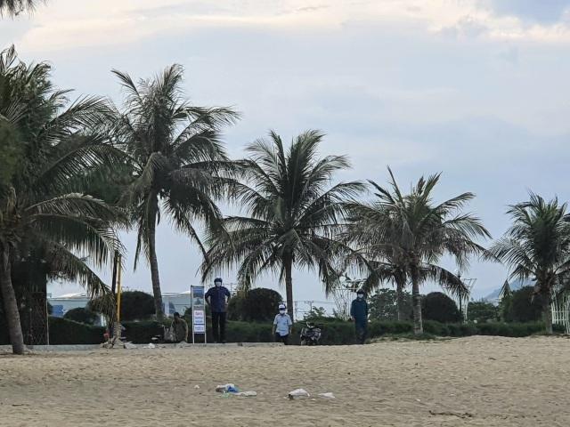 Biển Ninh Thuận vắng lặng không một bóng du khách - 5