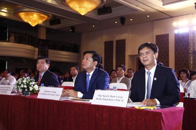 Lãnh đạo Thành uỷ, UBND TPHCM tham dự diễn đàn CEO