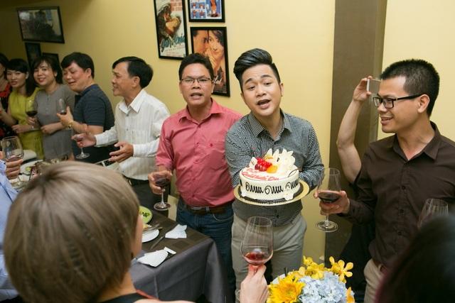 Đây cũng là dịp sinh nhật của Quách Tuấn Du