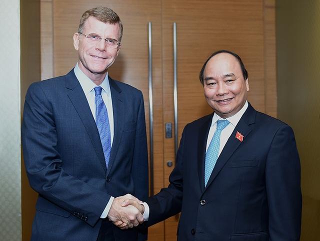 Thủ tướng Chính phủ Nguyễn Xuân Phúc đã tiếp Phó Chủ tịch Ngân hàng phát triển châu Á (ADB) ông Stephen Groff. Ảnh VGP/Quang Hiếu