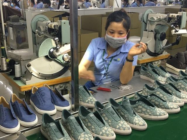 Ngành công nghiệp hỗ trợ Việt Nam gặp khó vì sát bên đại công xưởng của thế giới