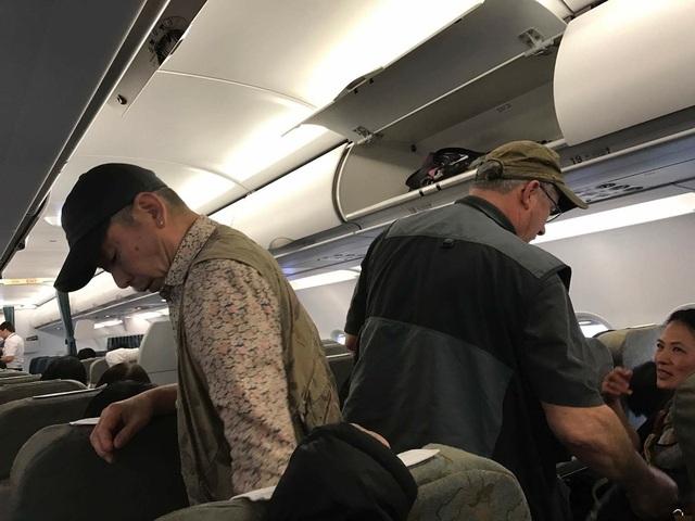 Vài hành khách bỏ chuyến sau khi máy bay quay về TPHCM