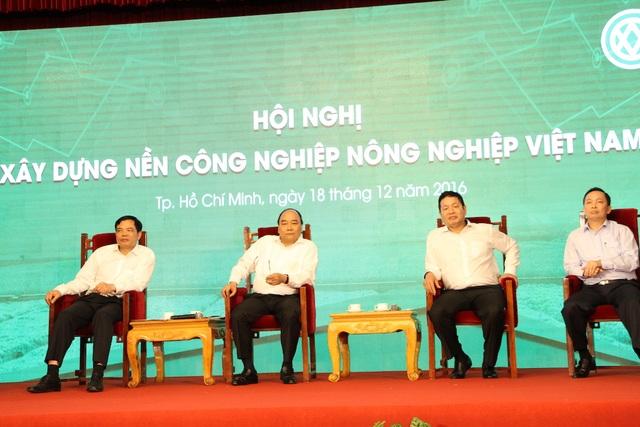 Phiên thảo luận giữa Thủ tướng Chính phủ cùng đại diện các doanh nghiệp nông nghiệp công nghệ cao