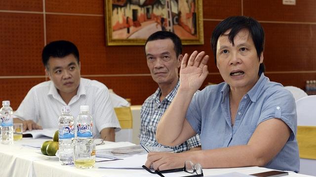"""Là nữ giám khảo duy nhất của Hội đồng chấm chung khảo Nhân tài Đất Tài - bà Lương Chi Mai luôn gây """"nóng"""" hội trường bởi những chất vất """"nảy lửa"""", phản biện sắc bén trước các sản phẩm dự thi"""