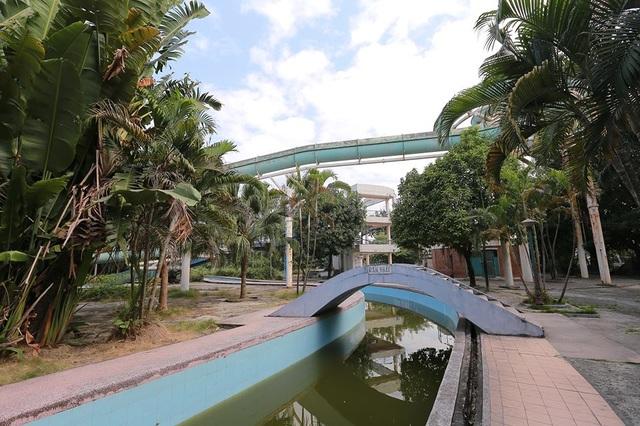 Hơn 10 năm trước, dự án vui chơi, giải trí tại công viên Tuổi Trẻ là một trong 9 công trình trọng điểm của thành phố Hà Nội.