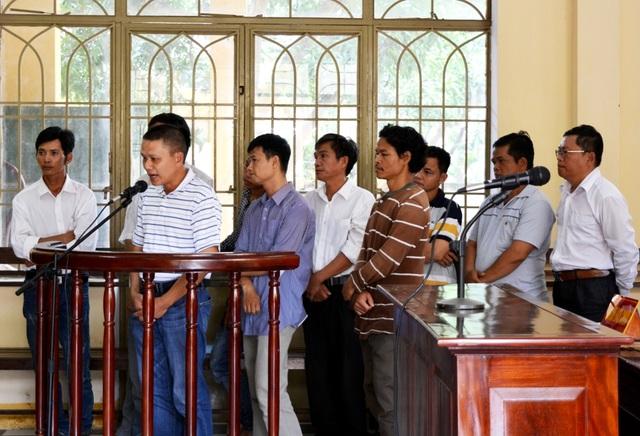 Các bị cáo tại phiên tòa ngày 7/9