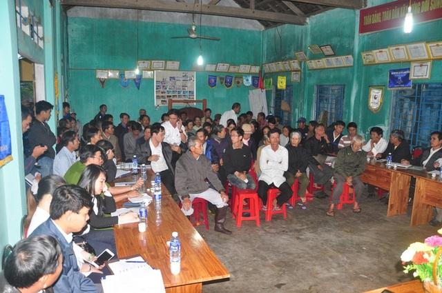 Người dân sông gần nhà máy thép đối thoại với lãnh đạo tỉnh tháng 12/2014