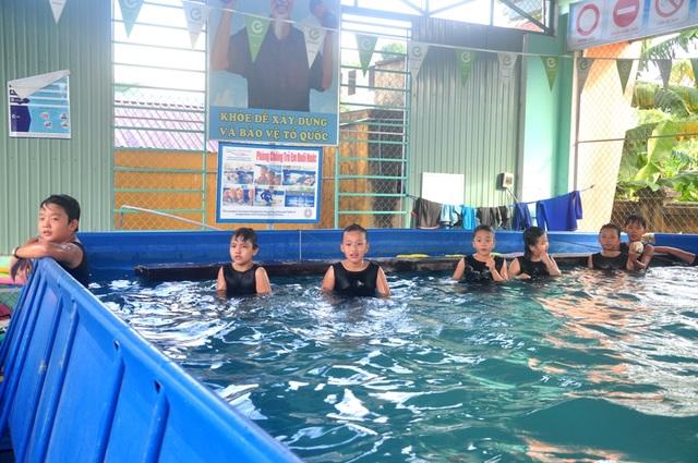Hiện đã có khoảng 2.000 học sinh trên địa bàn huyện Đại Lộc đã học bơi
