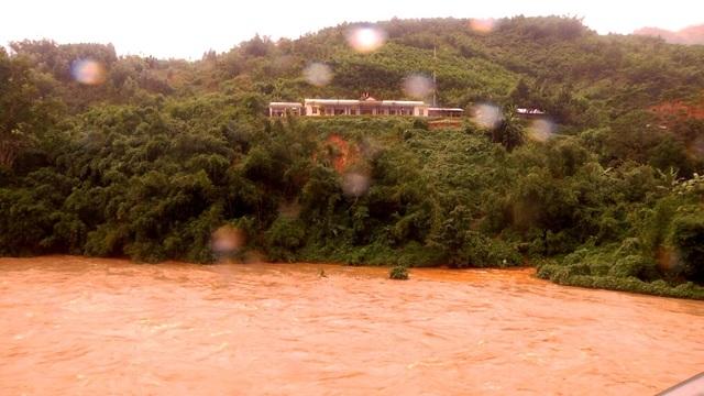 Một điểm trường ở vùng cao Nam Trà My có nguy cơ bị sạt lở do mưa lũ. (Ảnh: CTV)