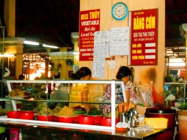 Giá cả được niêm yết rõ ràng, hợp lý với nhiều món ăn đặc sắc
