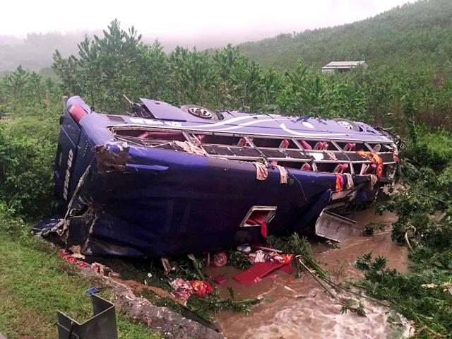 Vụ tai nạn làm 2 nạn nhân tử vong và chưa xác định danh tính