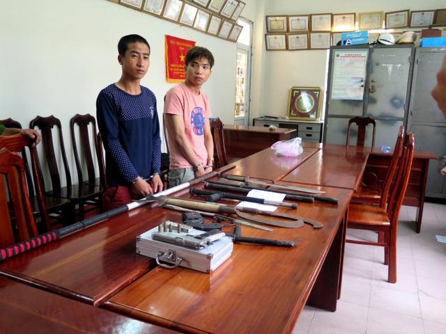  Triệu Văn Phong (trái) và Ngô Thiên Ân