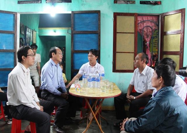 UBMT TQ VN tỉnh Quảng Nam thăm hỏi và hỗ trợ gia đình các nạn nhân bị chết trong cơn lũ vừa qua