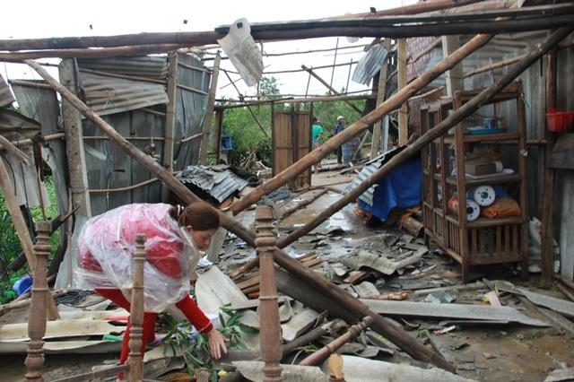 Ngôi nhà của chị Yến bị sập hoàn toàn do lốc