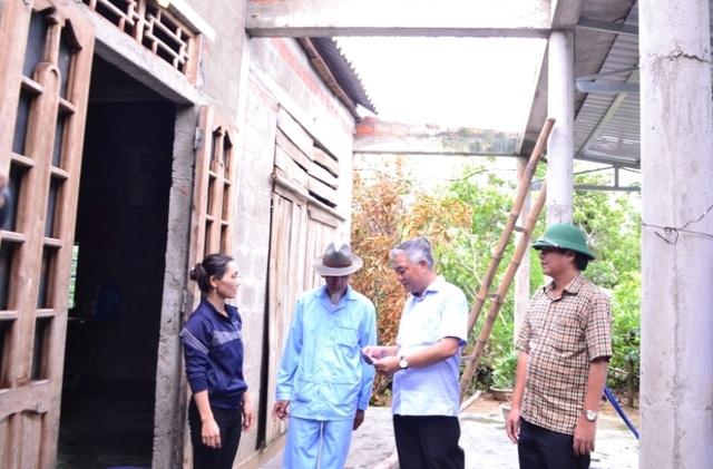 Quảng Trị: Lốc xoáy quét sạch hàng trăm mái nhà, thiệt hại tiền tỷ - 1