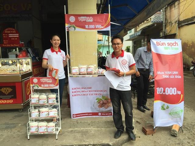Nguyễn Đăng Tôn Cảnh cùng bạn đưa sản phẩm ra thị trường