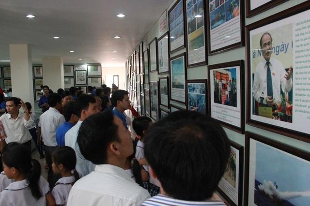 Các tài liệu lịch sử được trưng bày một lần nữa khẳng định chủ quyền của Việt Nam đối với 2 quần đảo Hoàng Sa, Trường Sa