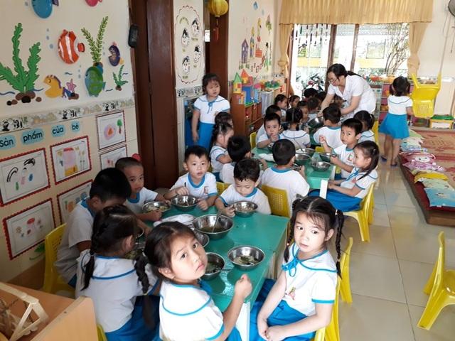 Việc hỗ trợ tiền ăn trưa cho các cháu nhằm giúp trẻ phát triển tốt về thể chất.