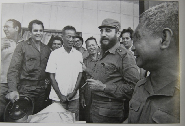 Những khoảnh khắc đầy xúc động của chủ tịch Fidel Castro trong chuyến thăm Quảng Trị - 6