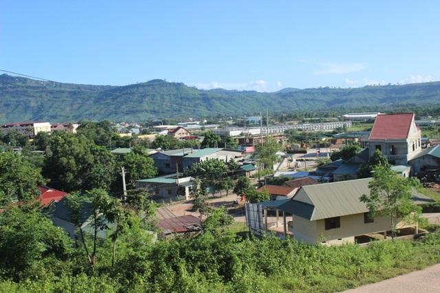 Là thị trấn vùng biên giới, Lao Bảo đang thay da đổi thịt từng ngày và trở thành điểm nhấn vùng phía Tây của tỉnh Quảng Trị