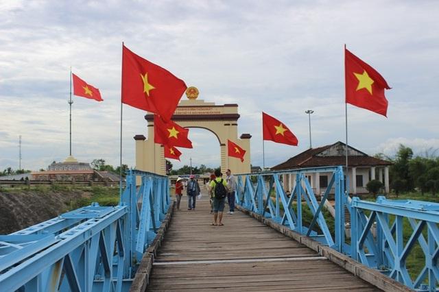 Khu di tích đôi bờ Hiền Lương - Bến Hải