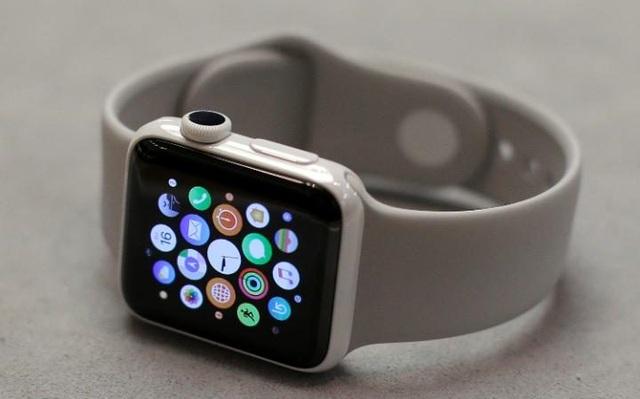 Anh cấm Apple Watch trong cuộc họp nội các vì lo sợ hacker - 1