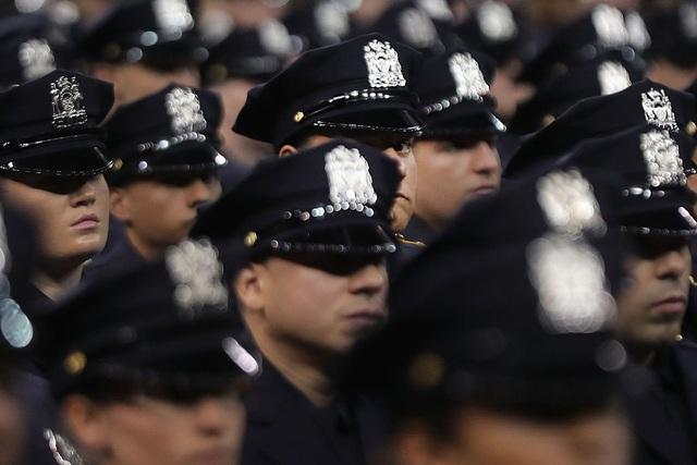 """Cảnh sát New York triển khai sử dụng điện thoại chạy hệ điều hành """"hết đát"""" - 2"""