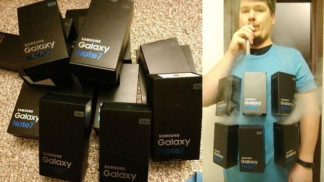 Một anh chàng đã nghĩ ra ý tưởng cho bộ đồ cho ngày lễ Haloween của mình với những chiếc hộp đựng Galaxy Note7 đang ... bốc khói