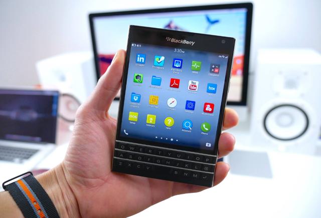 Có nên mua BlackBerry Passport xách tay giá rẻ? - 1