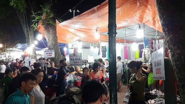 Chuyển lạnh, quần áo rét giá rẻ thu hút người tiêu dùng Hà Nội - 8