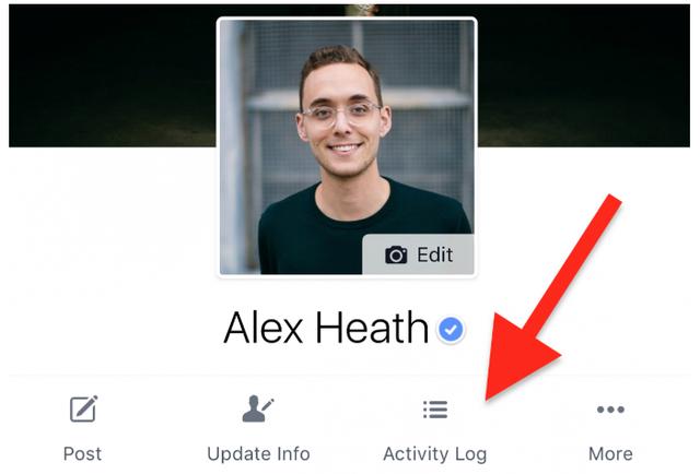 Bạn có thể nhấn vào nút Xem nhật ký hoạt động để xem lại các hoạt động của mình trên mạng xã hội Facebook, hoặc tìm lại các bài viết, nội dung đã tương tác trong quá khứ.